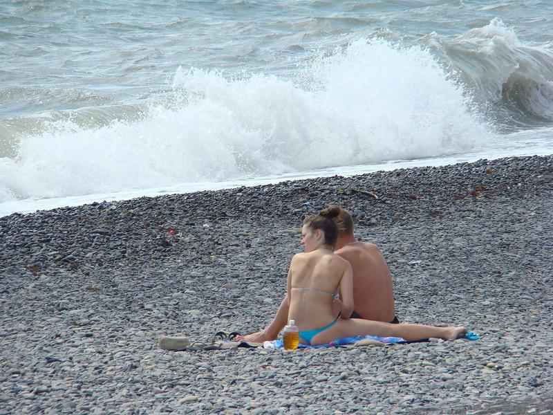Девочки на пляже диком фото 801-268